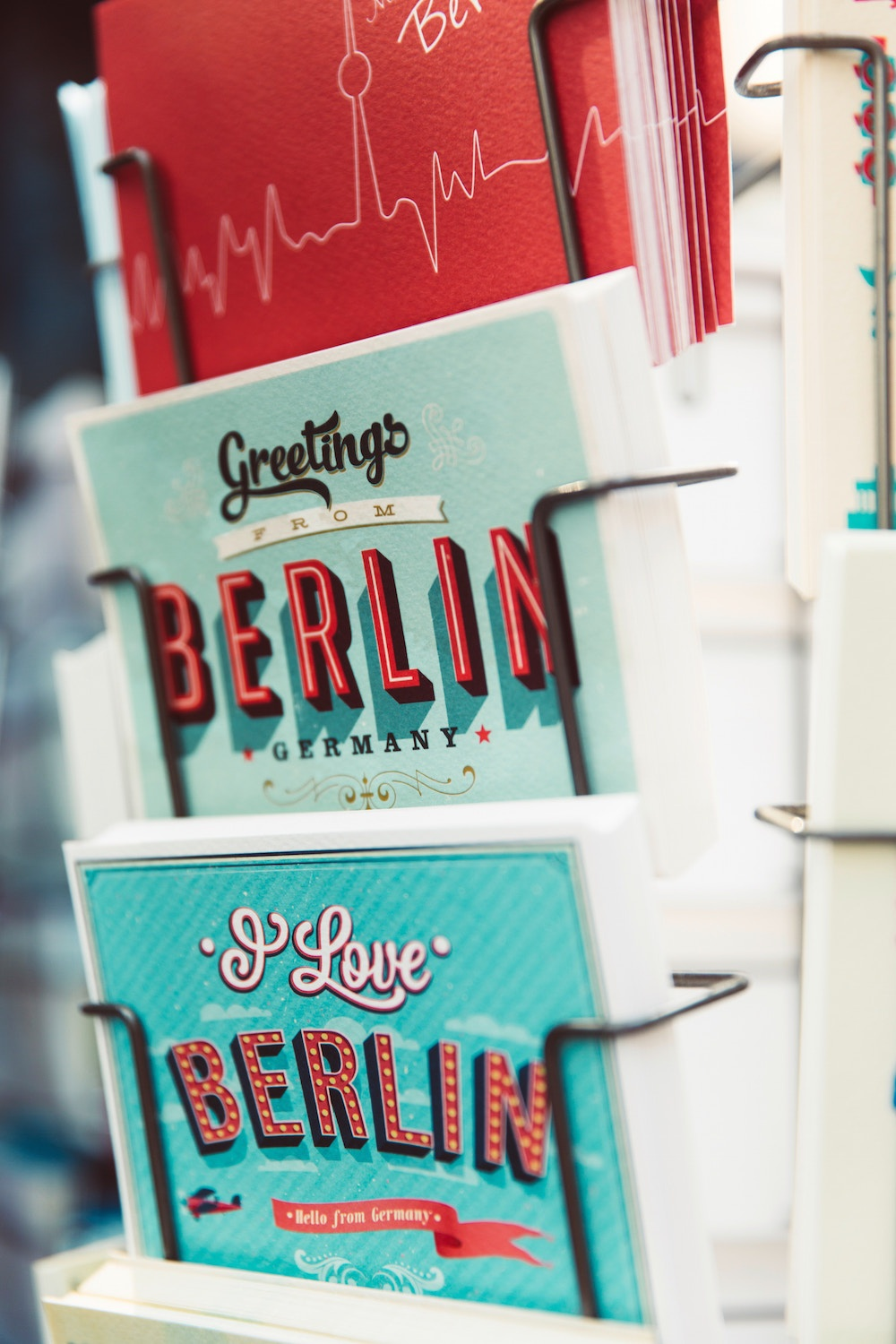 Small and mid-size businesses in Germany are adapting to digital trends in customer service and customer support.
