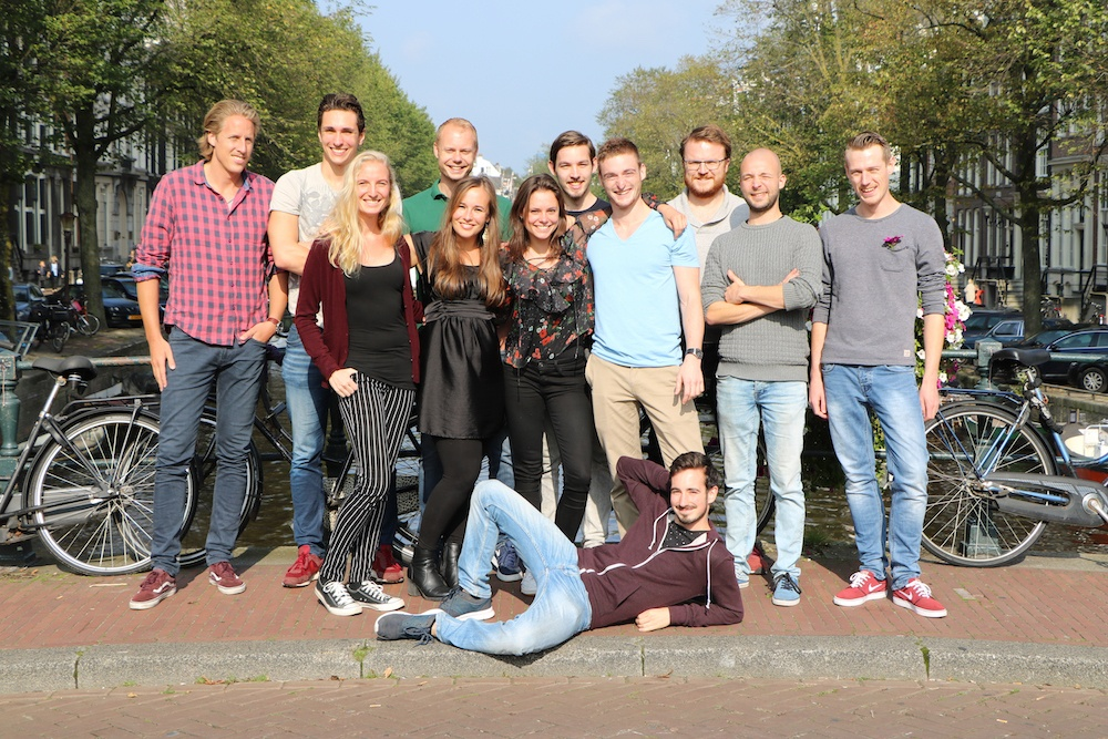 A picture of the Internet Marketing Universiteit customer service team in the Netherlands.