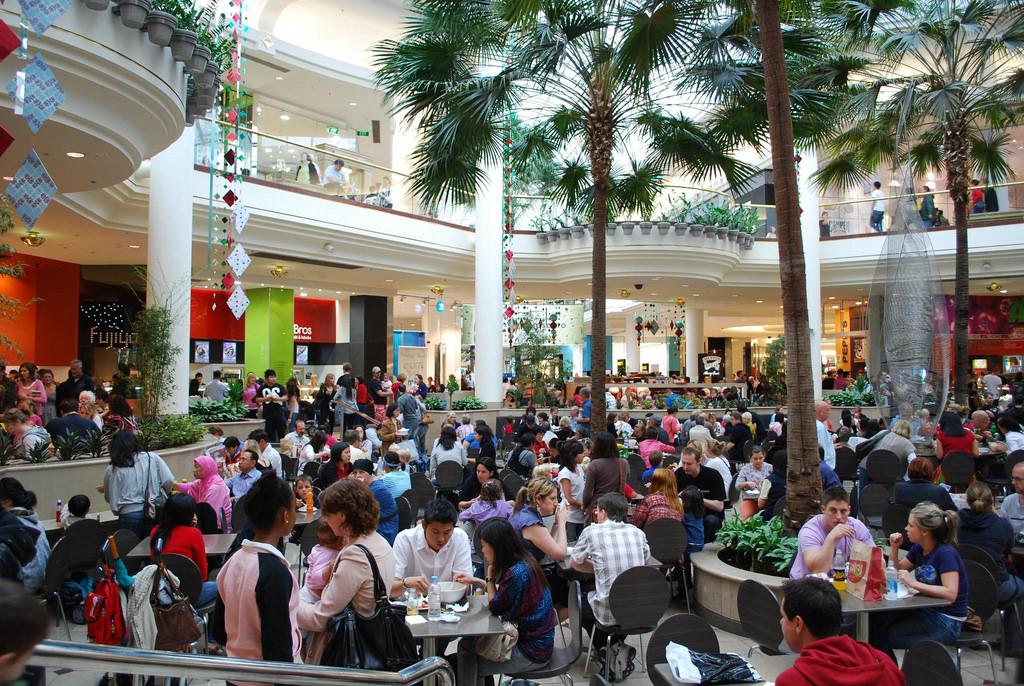 mall_shoppers.jpg
